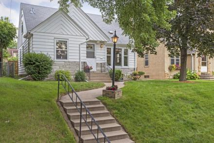5245 Shoreview Avenue Minneapolis  55417