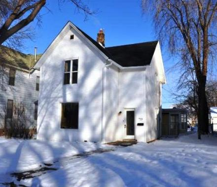 723 Washington Street NE  Minneapolis 55413